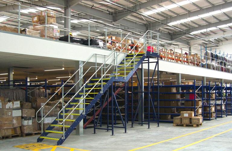 Mezz floor for fashion storage use