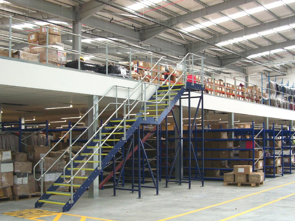 Fashion Retail Mezzanine Floor
